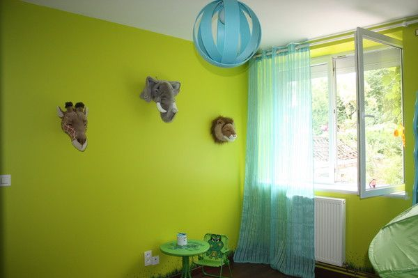 Decoration safari chambre enfant for Deco chambre vert anis